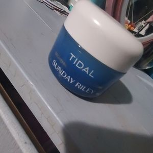 Synday riley water cream